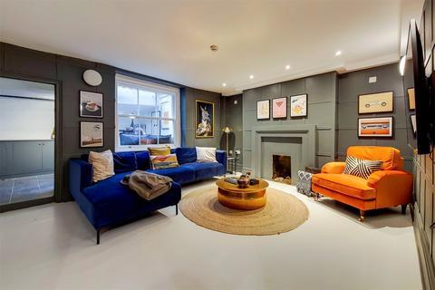 2 bedroom terraced house to rent - St John Street, Angel, London, EC1V