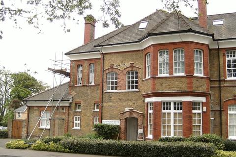 2 bedroom flat to rent - Pennington Drive, Winchmore Hill, N21 - Lovely Second Floor Two Bedroom Apartment To Rent In The Heart Of Winchmore Hill