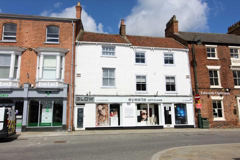 Property to rent - Market Place, Beverley, East Yorkshire, HU17