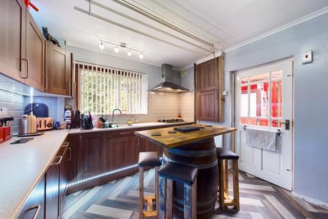 3 bedroom semi-detached house for sale - Carlton Avenue, Tunstall, Stoke-on-Trent, ST6