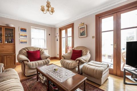 4 bedroom end of terrace house for sale - Harriers Close, Ealing