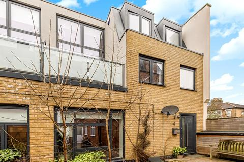 3 bedroom mews for sale - High Road, Wood Green