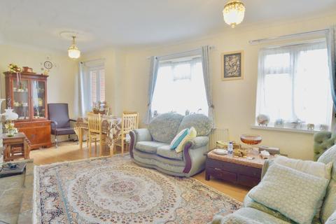2 bedroom flat to rent - London EN5