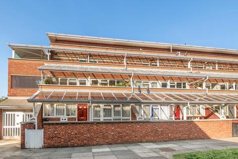 2 bedroom flat to rent - Schofield Walk London SE3