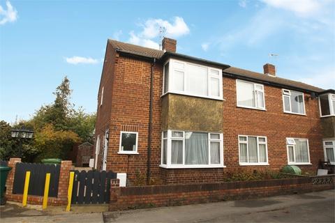 2 bedroom maisonette to rent - Beaumont Drive, ASHFORD, Surrey