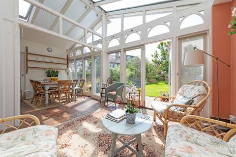 6 bedroom semi-detached house for sale - Trinity Crescent, London, SW17