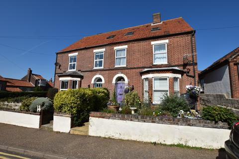 5 bedroom semi-detached house for sale - Cliff Road, Sheringham