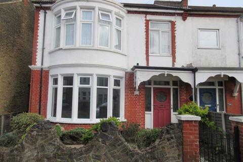 2 bedroom flat to rent - Elderton Road, Westcliff-On-Sea