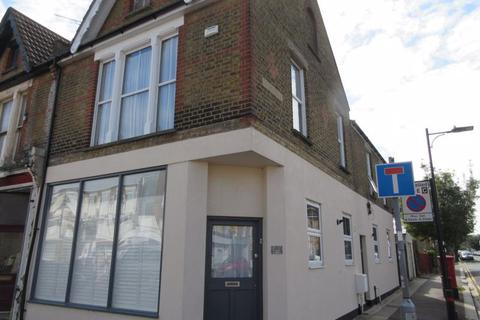 2 bedroom apartment to rent - West Street, Southend-On-Sea