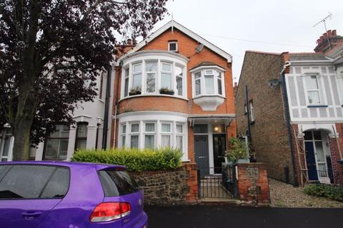 2 bedroom apartment for sale - Southview Drive, Westcliff-On-Sea