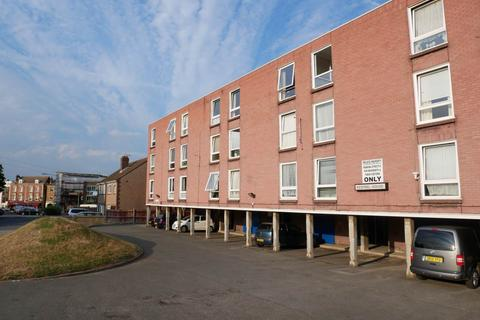1 bedroom flat to rent - Kestrel house , Marlborough Road , Gillingham