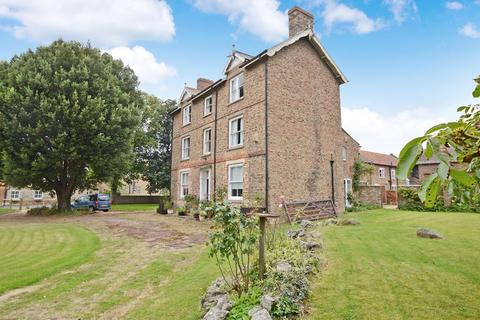 7 bedroom semi-detached house for sale - The Manor House, West Street, Timberland