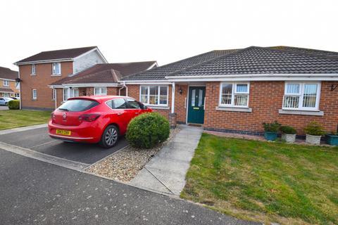 2 bedroom bungalow for sale - Simpson Close, Chapel St Leonards, PE24