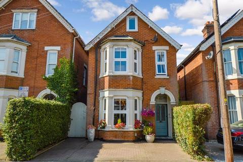 4 bedroom detached house for sale - Hulse Road, Salisbury                                                                               *VIDEO TOUR*