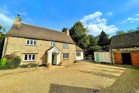 4 bedroom detached house for sale - Crown Street, Ryhall, Stamford