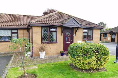 2 bedroom semi-detached bungalow for sale - Cherry Tree Court, Calne
