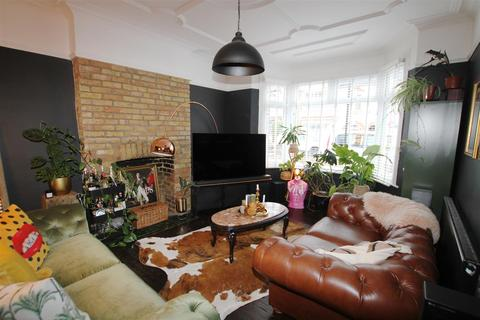 1 bedroom flat for sale - Leigham Court Drive, Leigh-On-Sea
