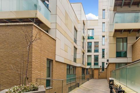 2 bedroom flat to rent - Trematon Walk, London