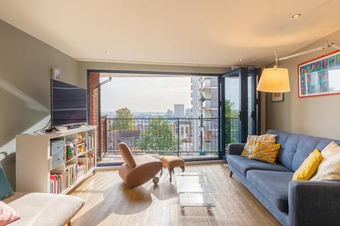 3 bedroom terraced house for sale - Dove Street, Kingsdown