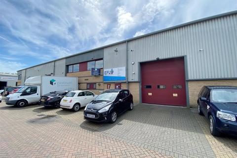 Industrial unit to rent - Northbrook Road, Worthing