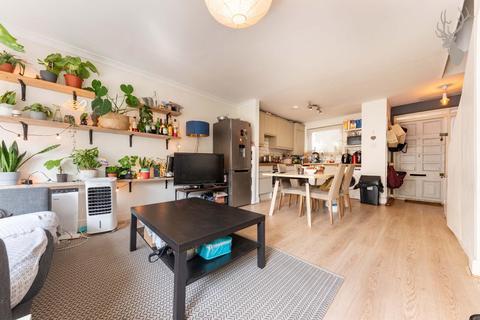 2 bedroom flat to rent - Mostyn Grove, London