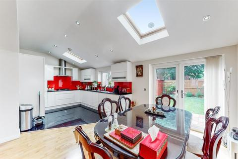 5 bedroom end of terrace house for sale - Sudbury Avenue, WEMBLEY
