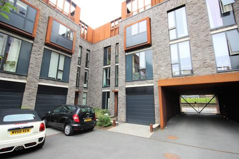 3 bedroom townhouse for sale - Arundel Street Manchester M15