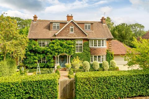 5 bedroom detached house for sale - Marsham Way, Gerrards Cross, Buckinghamshire