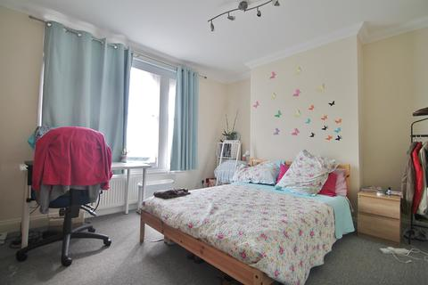 3 bedroom house share to rent - Room Two 11 Milton Place, Gravesend, Kent