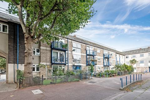 4 bedroom flat for sale - Thorburn Square Southwark SE1