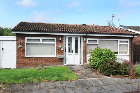 2 bedroom bungalow for sale - 1 Trident Road, Eccles M30 7WE