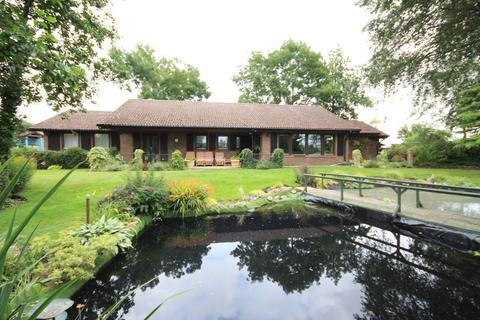 4 bedroom detached bungalow for sale - Turnpike Hill, Withersfield  CB9
