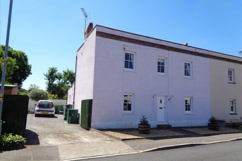 3 bedroom terraced house for sale - The Village, Angle