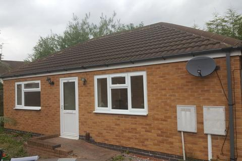 2 bedroom bungalow to rent - Stockland Road,  Leicester, LE2