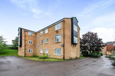 2 bedroom flat for sale - Mayford Close, Beckenham
