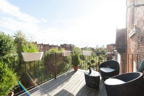 3 bedroom flat to rent - Canfield Gardens, London, NW6 3JP