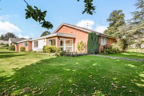 3 bedroom bungalow for sale - Beechways, Appleton, Warrington