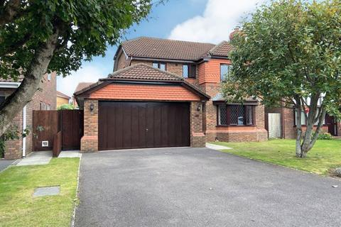 4 bedroom detached house to rent - Peile Drive, Taunton