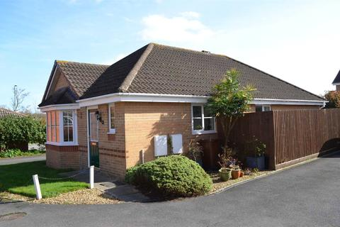 2 bedroom bungalow to rent - Windsor Close, Cullompton, Devon, EX15