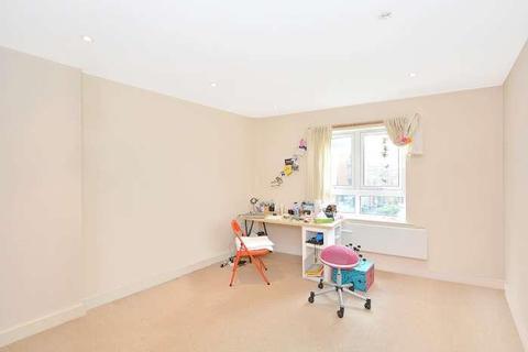 1 bedroom apartment to rent - Catalpa Court, London, SE13