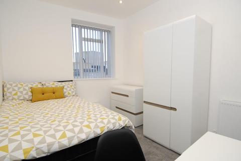 3 bedroom apartment to rent - Derrys Cross, Flat 3, Plymouth