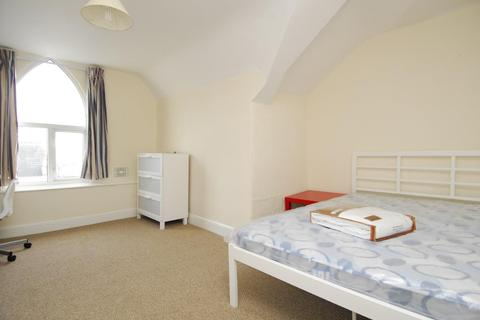 3 bedroom apartment to rent - Prospect Street, Radnor House, Flat 3, Plymouth