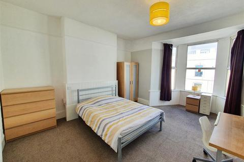 5 bedroom house to rent - Hill Park Crescent, Plymouth