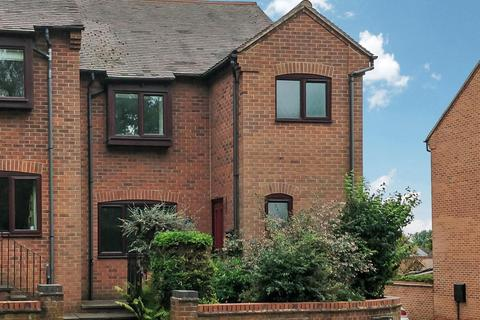 3 bedroom semi-detached house to rent - Priory Mews, Warwick