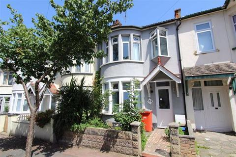 1 bedroom in a house share to rent - Beedell Avenue, Westcliff On Sea, Essex