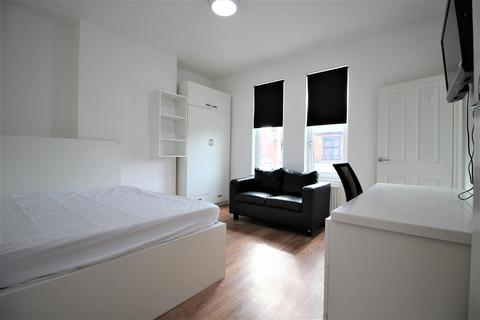 4 bedroom house to rent - Queens Road, Leicester
