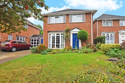 4 bedroom detached house for sale - Ploughmans Way, Rainham, Gillingham