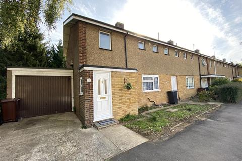 5 bedroom end of terrace house to rent - Cheviots, Hatfield