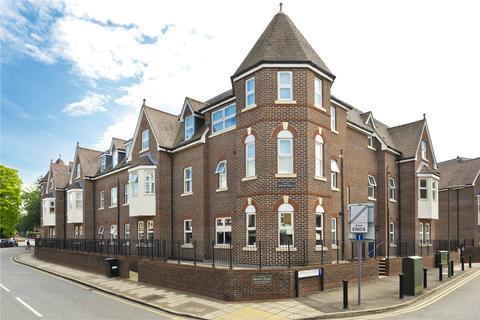 3 bedroom flat for sale - Bentley Place, 57-59 Baker Street, Weybridge, Surrey, KT13