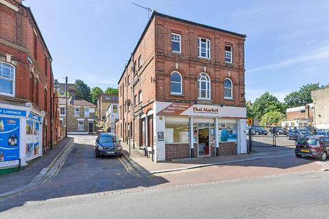 2 bedroom apartment to rent - High Street, Rochester, Kent, ME1
